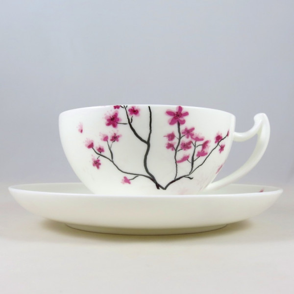 Tasse und Untere Cherry Blossom